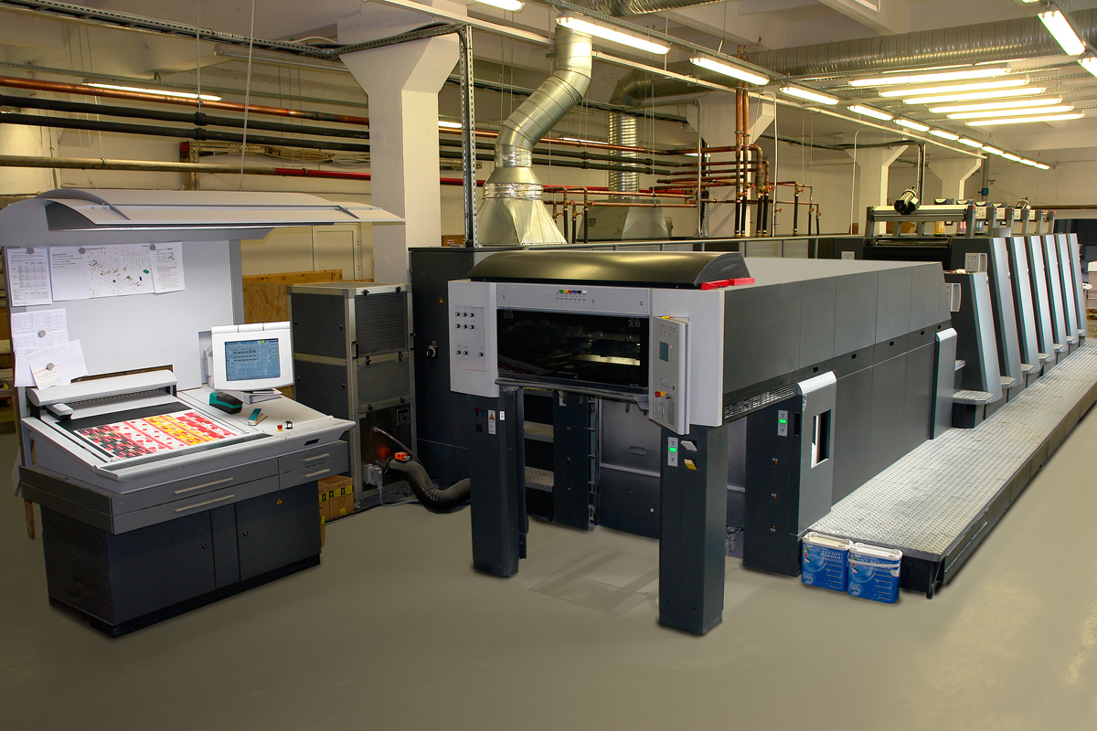 UV-offset printing machine